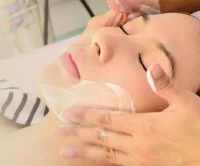 果酸換膚幾次能見效果?可作用於那些效應?